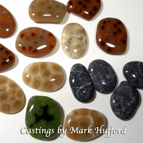 47390-Medium River Rocks Mold